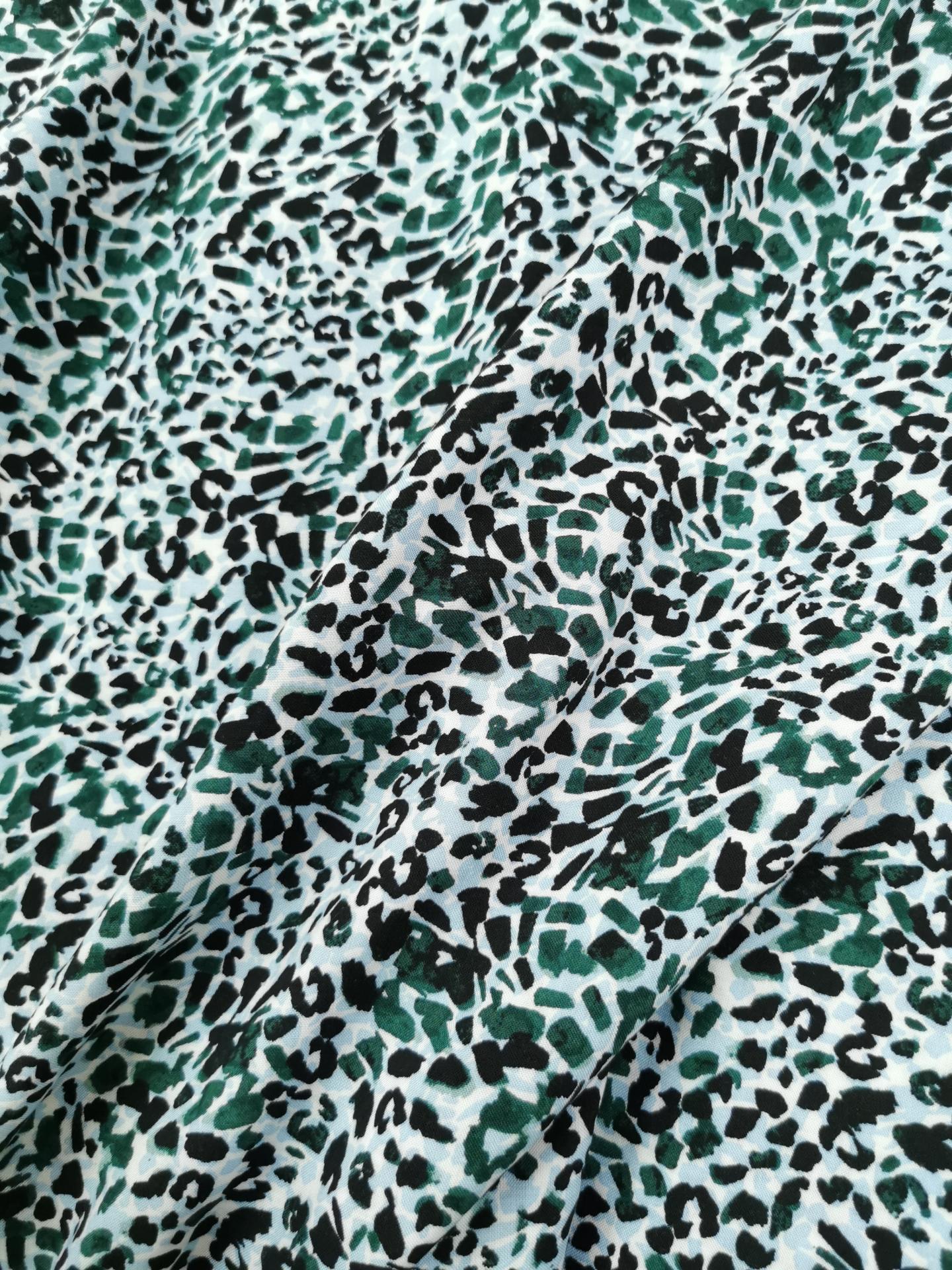 Leopard vert 3